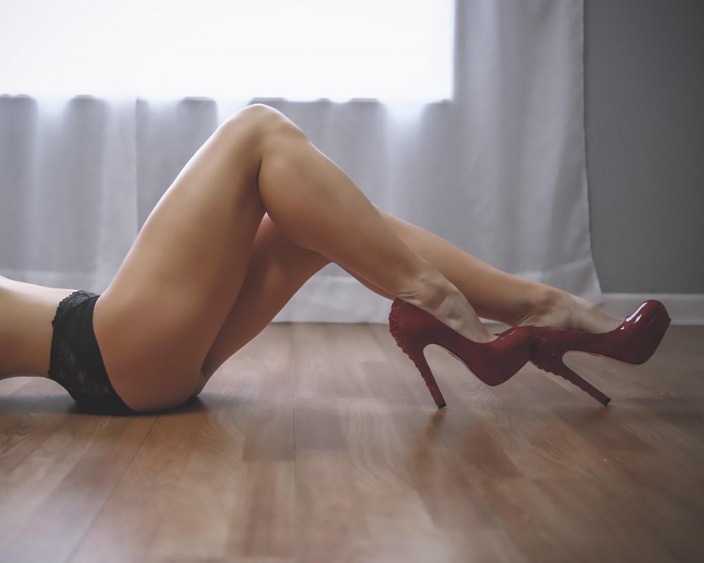boudoir-photos-lindy-carmel-in