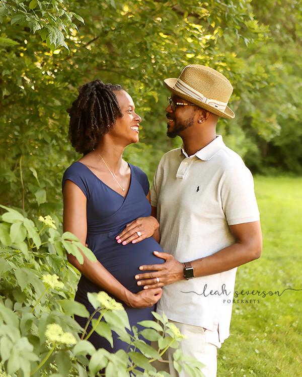 outdoor maternity photoshoot carmel in