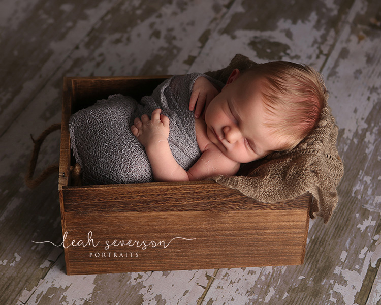 newborn-in-box-picture