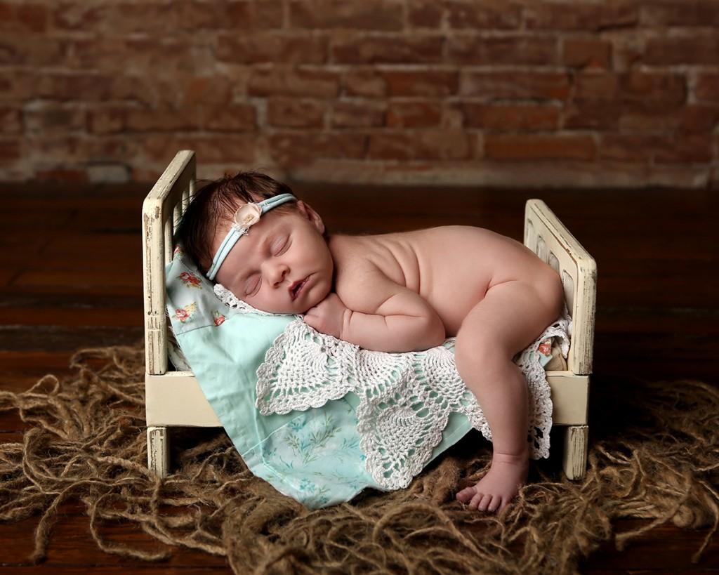 newborn-photographer-indianapolis-zoey-scarlett-2