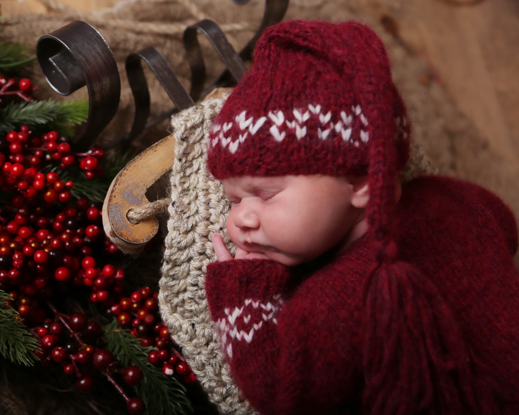 sleeping-newborn-photo