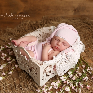 best-newborn-photographer-carmel-indiana