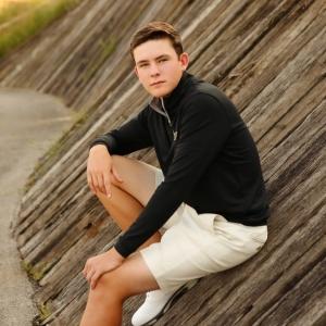 senior-picture-carmel-in-golf