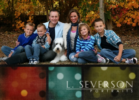Outdoor fall family portrait Indianapolis