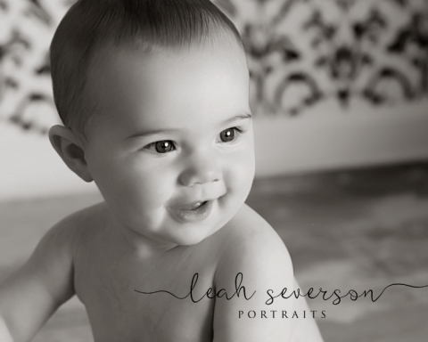 baby-portrait-carmel-in-presley-black-white-smiling