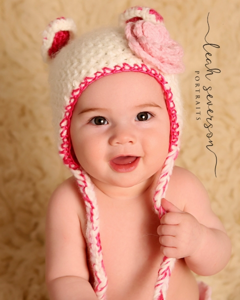 indianapolis-baby-photographer-presley-wearing-pink-white-hat