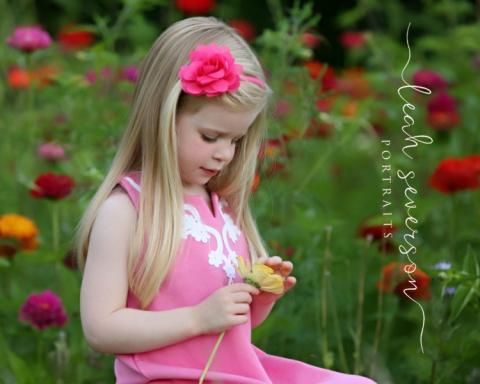 carmel-indiana-childrens-photographer-hailey-red-flower