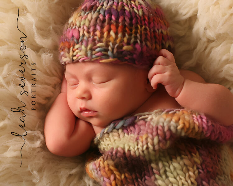 indianapolis baby photographer halle wearing colorful hat