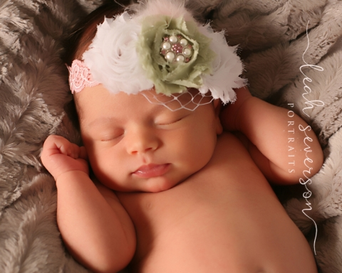 baby photographer indianapolis halle wearing pink bow