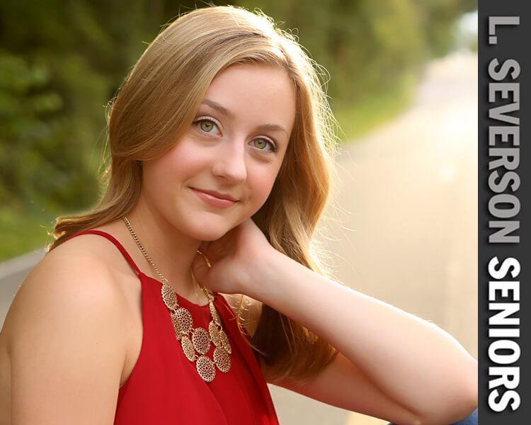 senior-portrait-photographer-carmel-chloe