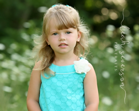 westfield-childrens-photographer-grace-in-flower-field