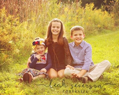 fall outdoor family portrait in westfield