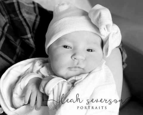 iu north newborn hospital photographer