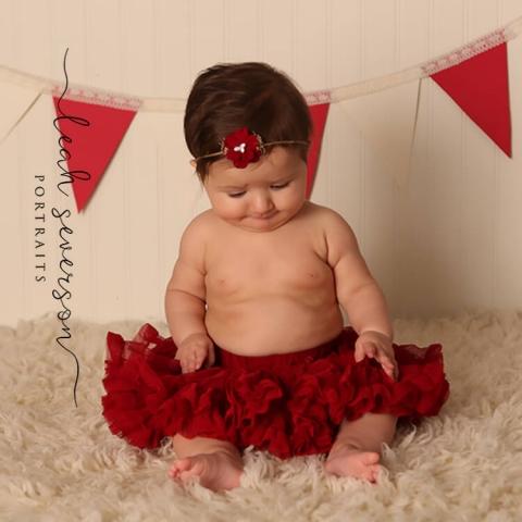 baby photography newborn in tutu