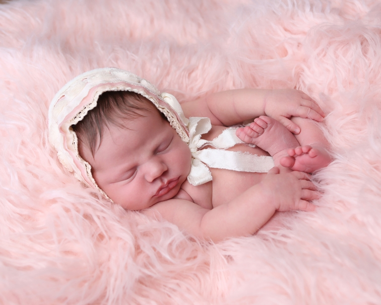 NEWBORN PHOTOGRAPHY INDIANAPOLIS BABY EMMA