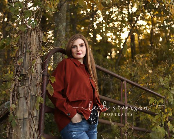 senior picture of lauren