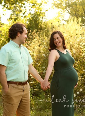 outdoor maternity photo shoot carmel in