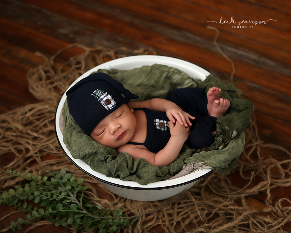 newborn baby picture sleeping in bowl