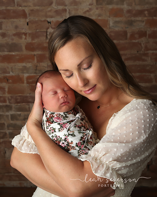 mother baby newborn photography indianapolis