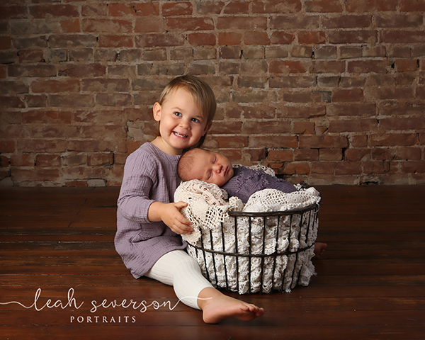 newborn and big sister photograph indianapolis