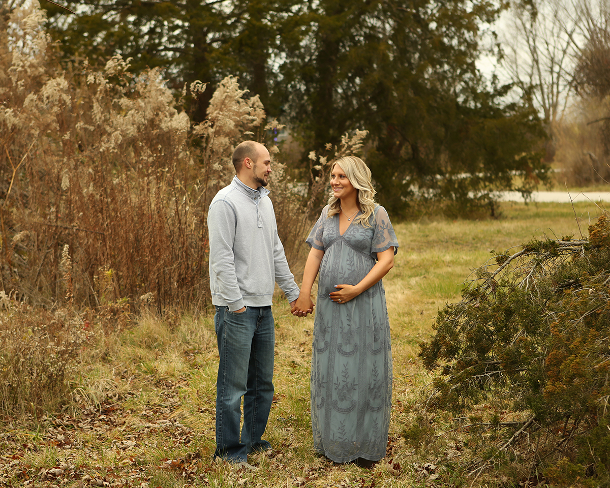 maternity photgraphy outdoor carmel indiana