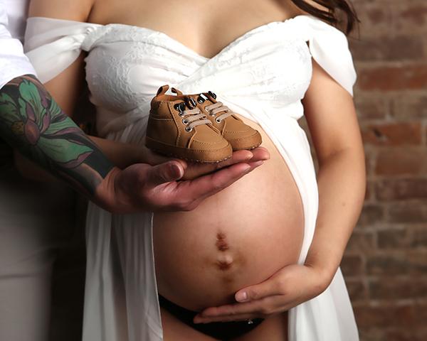 maternity boudoir photographer