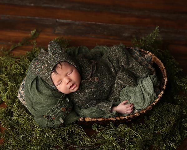 newborn sleeping baby picture carmel indiana