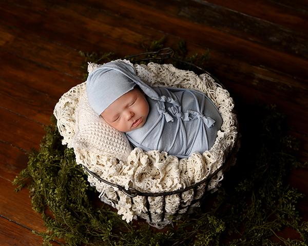 newborn baby photography blue bows