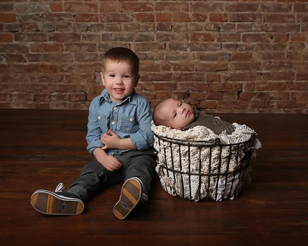 newborn photography siblings carmel indiana