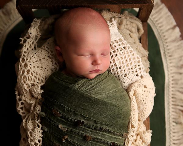 newborn photographer carmel, in