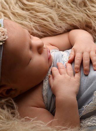 newborn photographer Westfield Indiana