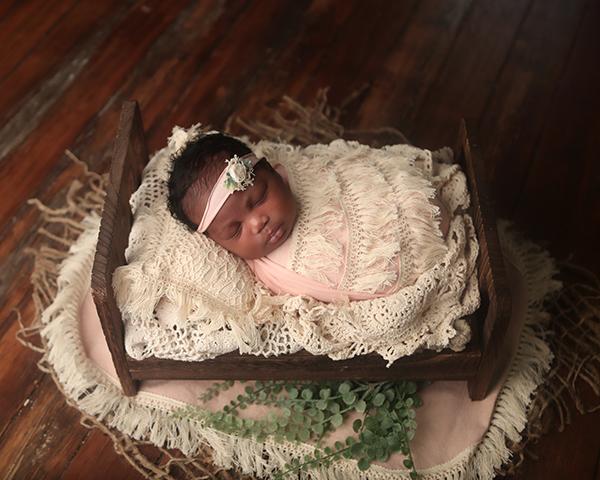 newborn photoshoot indianapolis